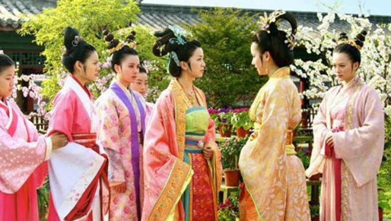 """""""Ban an tu chung than"""" cua cung nu Trung Quoc thoi phong kien-Hinh-9"""