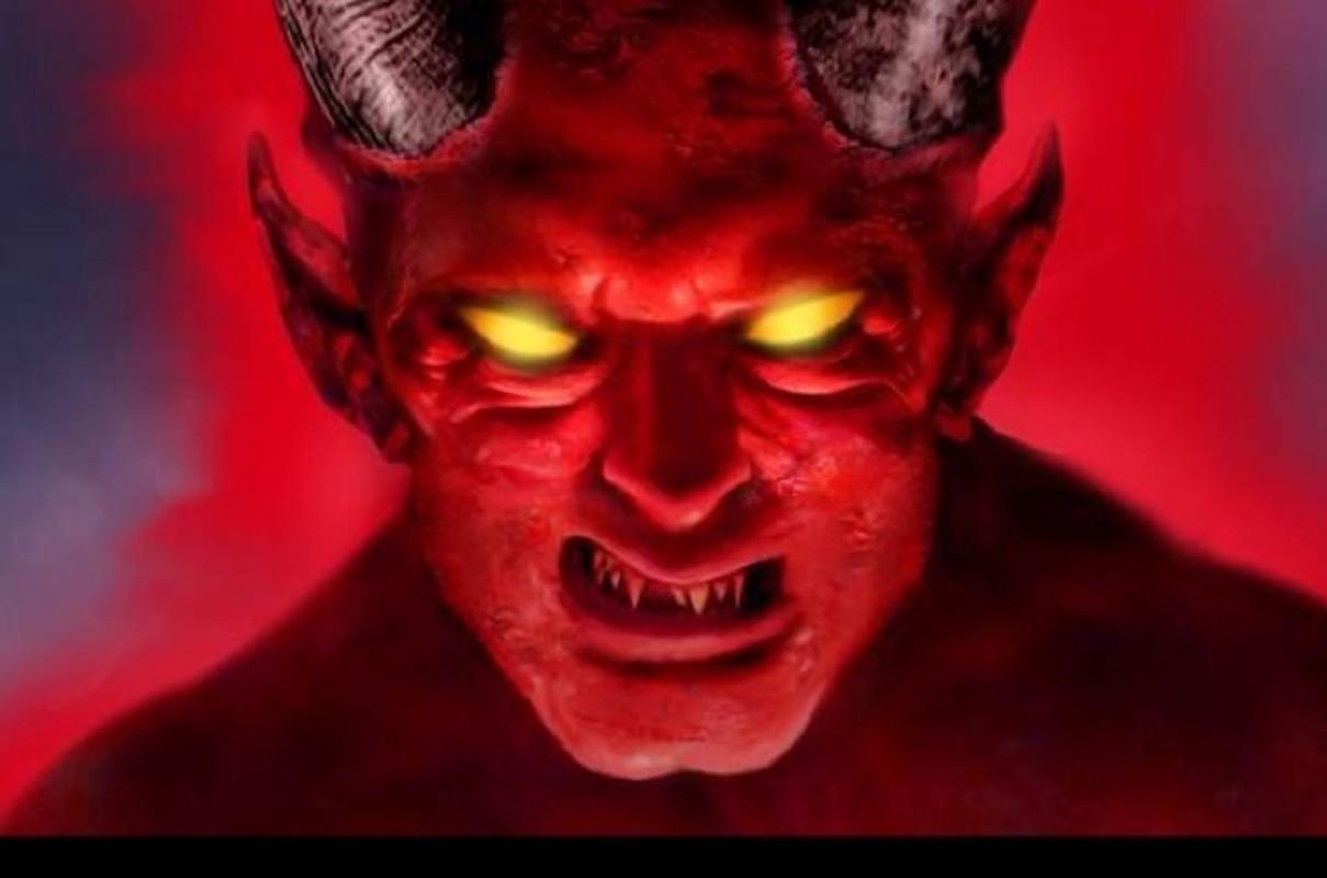 Ac quy Satan dang so duoc nguoi xua mo ta dang so the nao?-Hinh-9