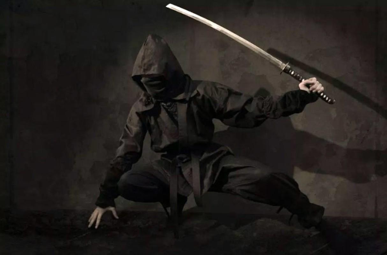 Nu ninja huyen thoai Nhat Ban am sat muc tieu chi voi 1 kep toc-Hinh-3