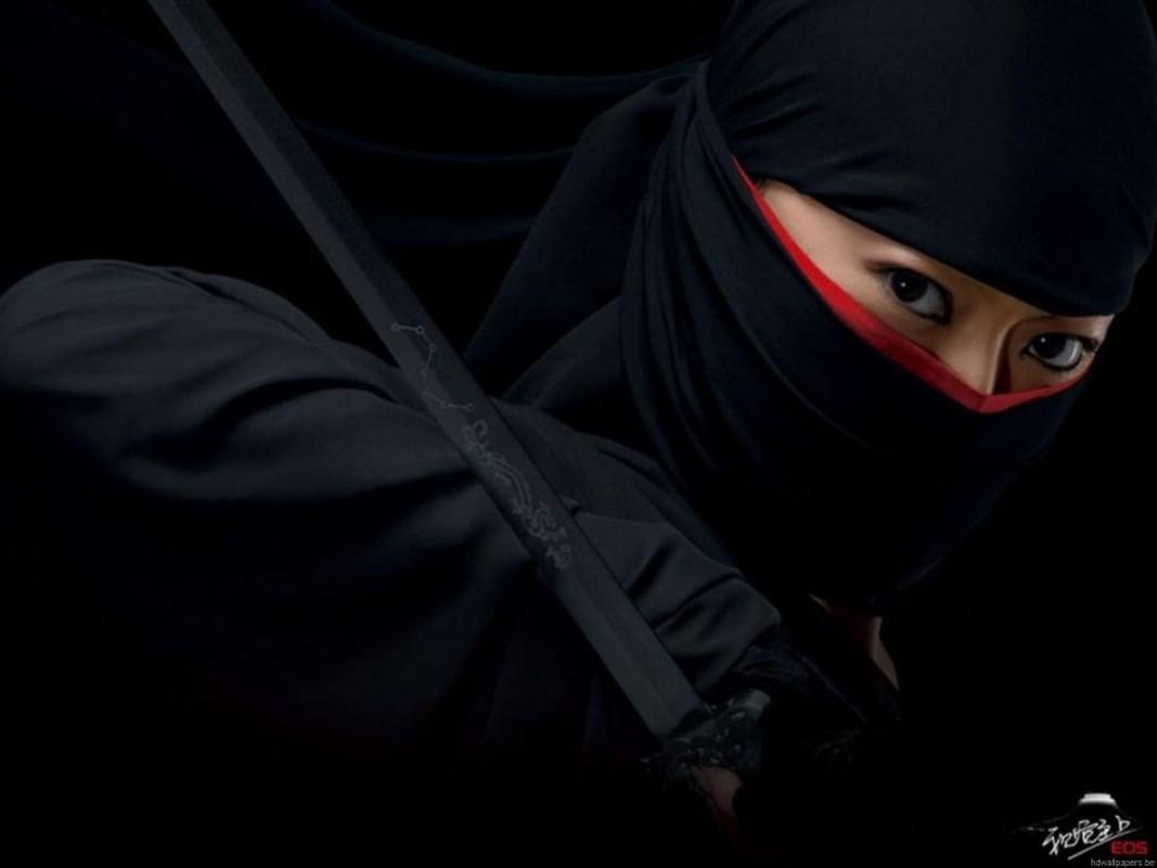 Nu ninja huyen thoai Nhat Ban am sat muc tieu chi voi 1 kep toc-Hinh-4