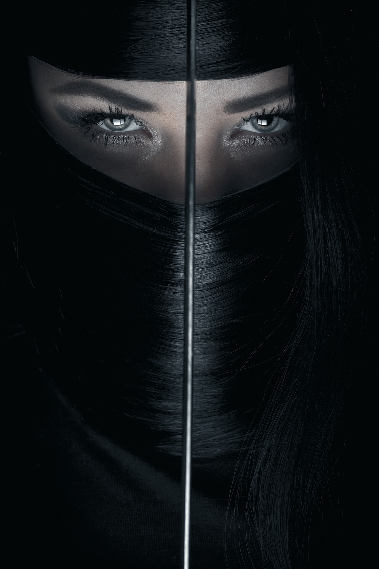 Nu ninja huyen thoai Nhat Ban am sat muc tieu chi voi 1 kep toc-Hinh-7