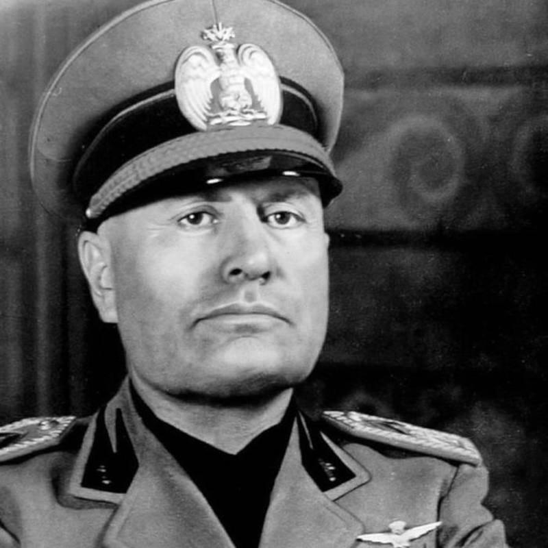 Kho tin mot phu nu am sat trum phat xit Italy Benito Mussolini-Hinh-2