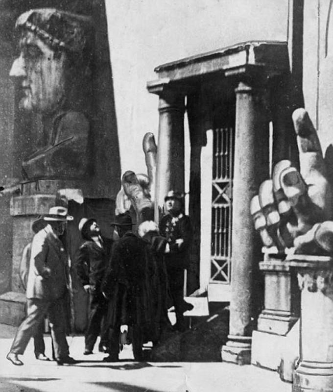 Kho tin mot phu nu am sat trum phat xit Italy Benito Mussolini-Hinh-8