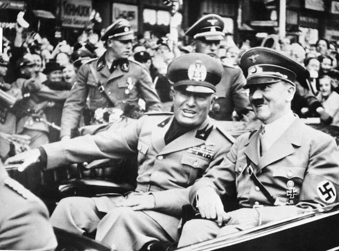 Kho tin mot phu nu am sat trum phat xit Italy Benito Mussolini