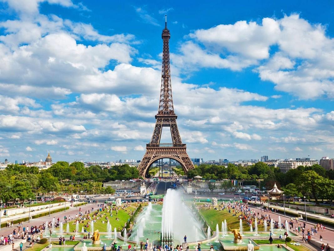 "Thap Eiffel suyt bi do bo: Lo ly do soc lien quan ""quai vat""-Hinh-10"