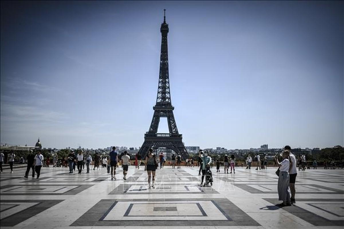 "Thap Eiffel suyt bi do bo: Lo ly do soc lien quan ""quai vat""-Hinh-6"