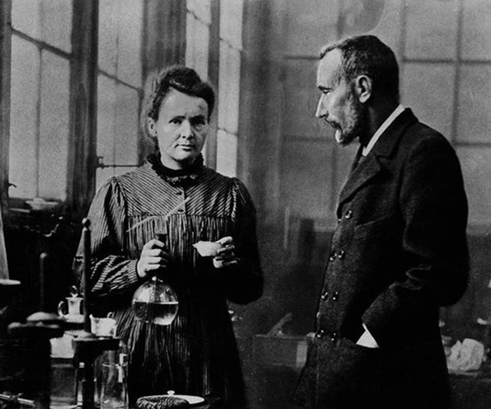 "Nha khoa hoc Marie Curie chet vi phat minh ""con de""?-Hinh-3"