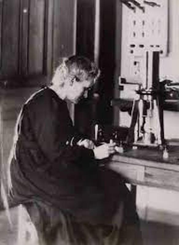 "Nha khoa hoc Marie Curie chet vi phat minh ""con de""?-Hinh-8"