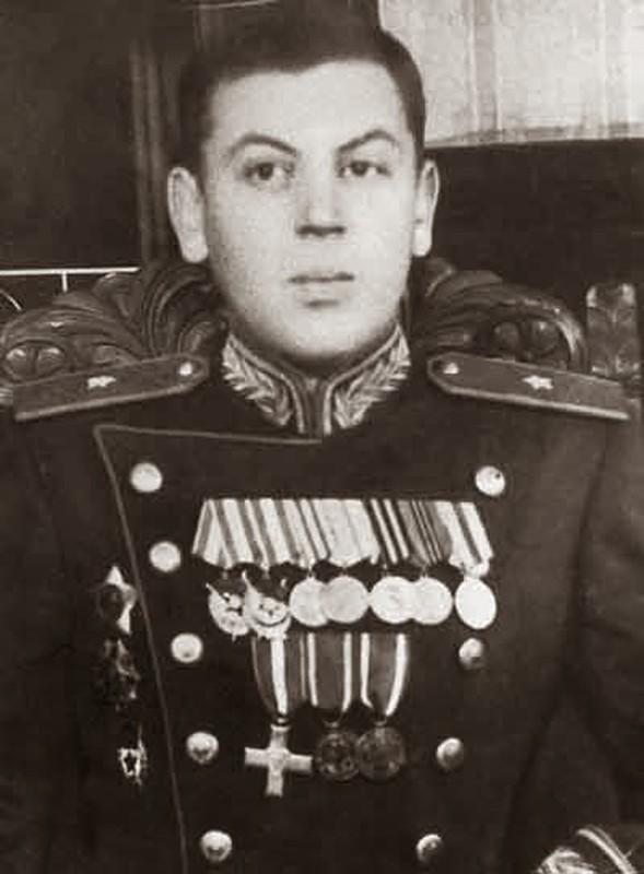 He mo goc khuat cuoc doi con trai ut nha lanh dao Joseph Stalin-Hinh-10