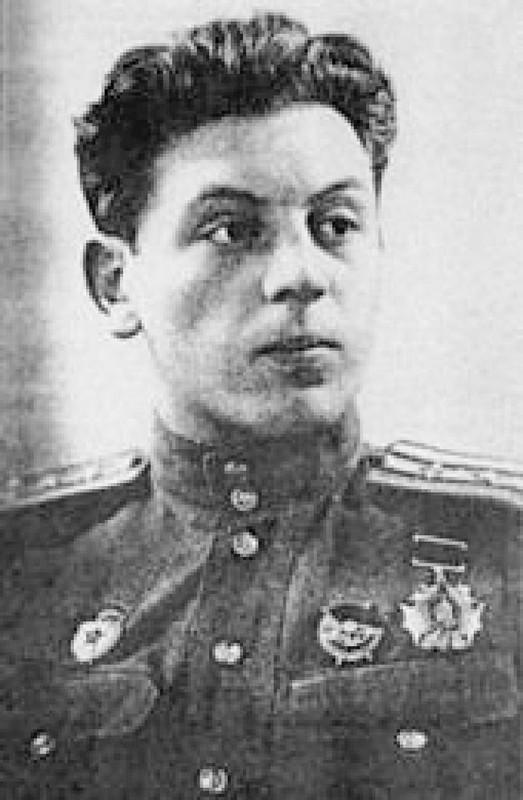 He mo goc khuat cuoc doi con trai ut nha lanh dao Joseph Stalin-Hinh-12
