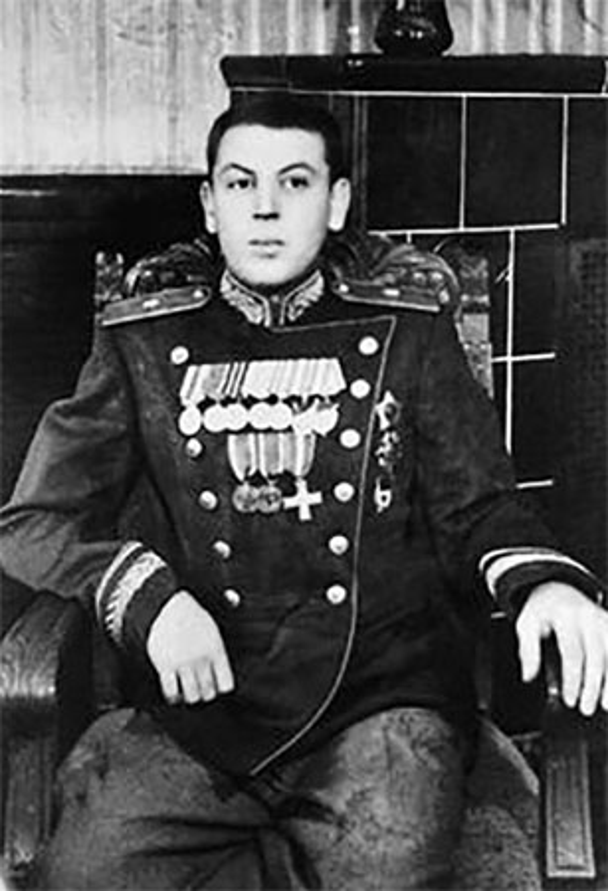 He mo goc khuat cuoc doi con trai ut nha lanh dao Joseph Stalin-Hinh-3