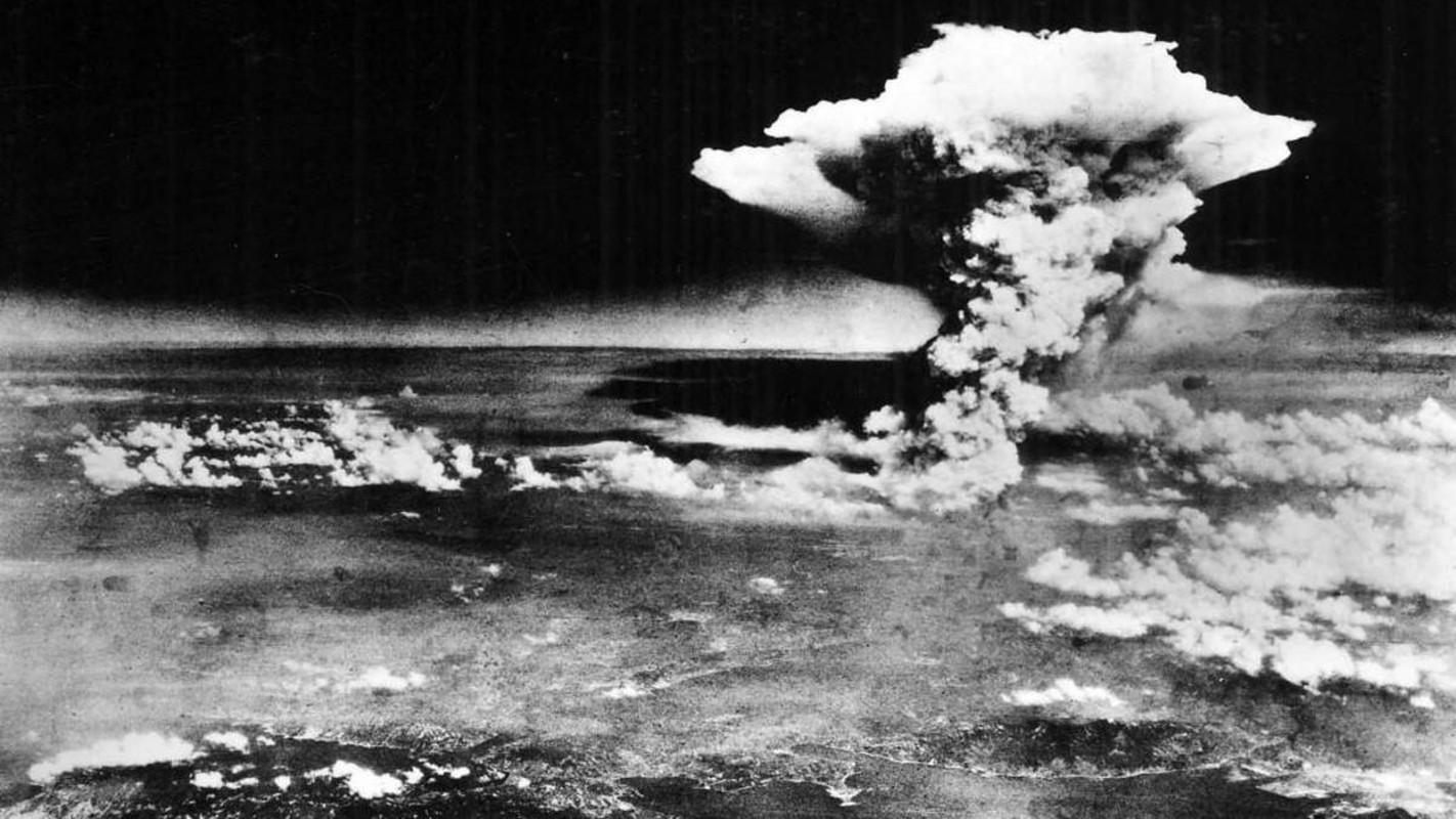 Rung ron nhung bong den sau vu no bom hat nhan o Hiroshima 1945