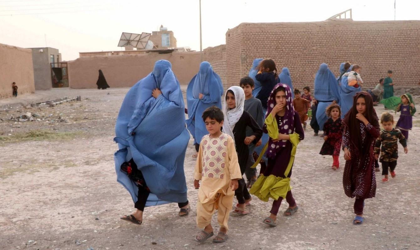 Cuc soc ly do phu nu Afghanistan bi Taliban ban chet bat cu khi nao-Hinh-13
