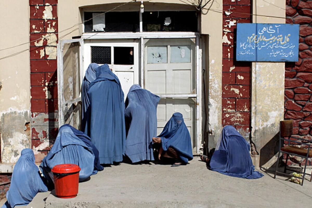 "Rung minh tuong lai ""ac mong"" cua phu nu Afghanistan khi Taliban nam quyen-Hinh-2"