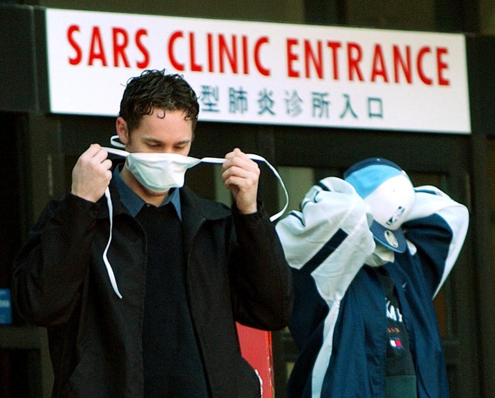 Vi sao nguoi tung mac SARS da tiem vaccine COVID-19 khang moi bien the virus?-Hinh-5