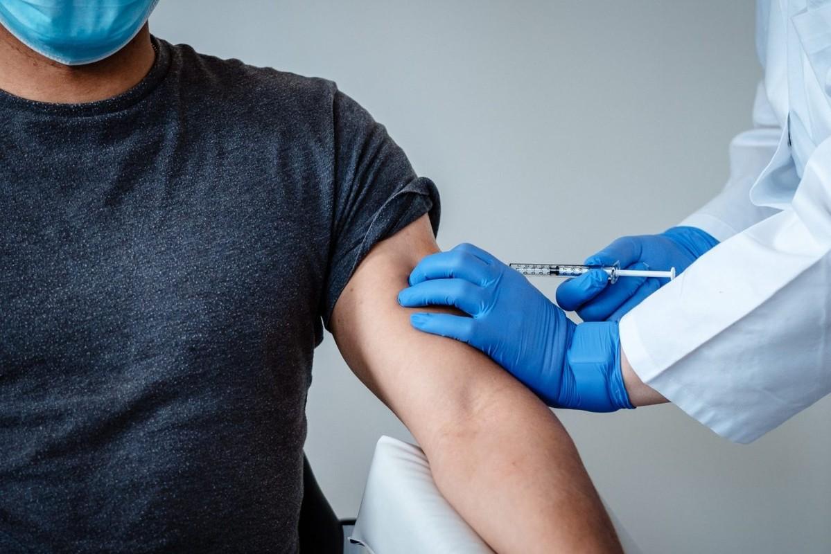 Vi sao nguoi tung mac SARS da tiem vaccine COVID-19 khang moi bien the virus?-Hinh-9