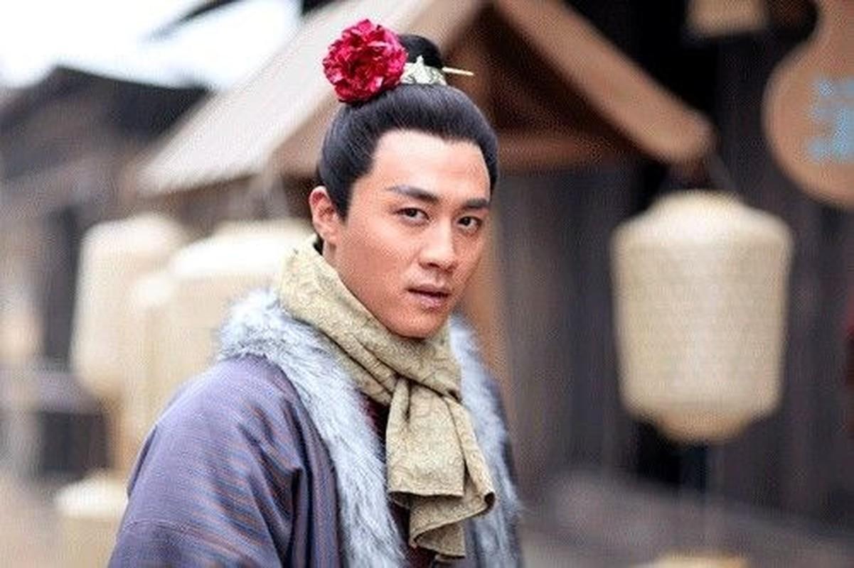 """Tay Mon Khanh dung chieu gi khien 20 my nhan """"say nhu dieu do""""?-Hinh-2"""