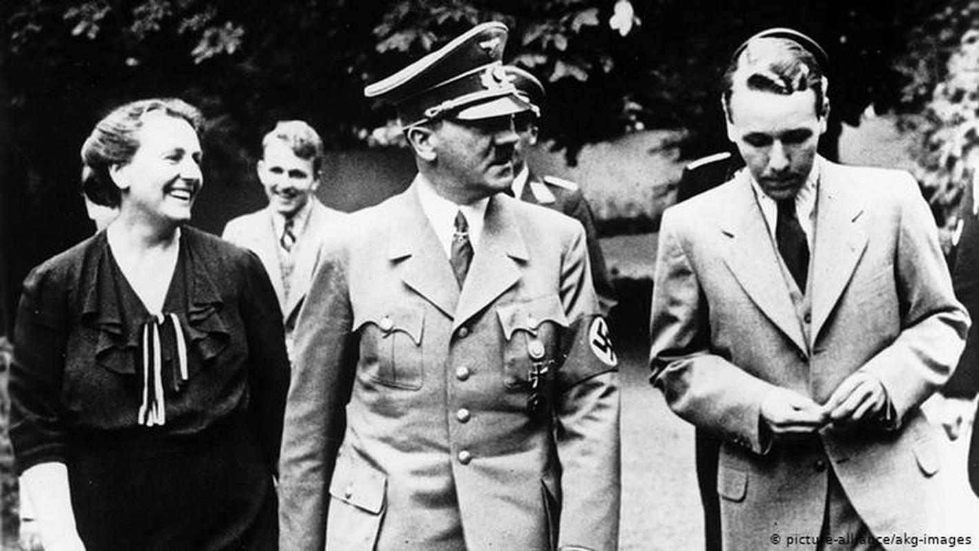 Trum phat xit Hitler cuong si vo cua cap duoi the nao?-Hinh-3