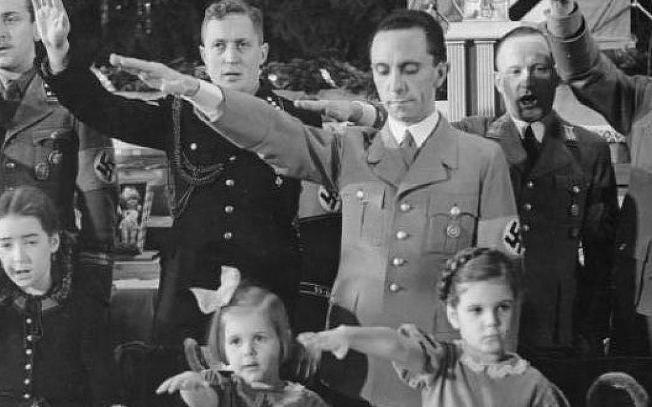 Trum phat xit Hitler cuong si vo cua cap duoi the nao?-Hinh-5