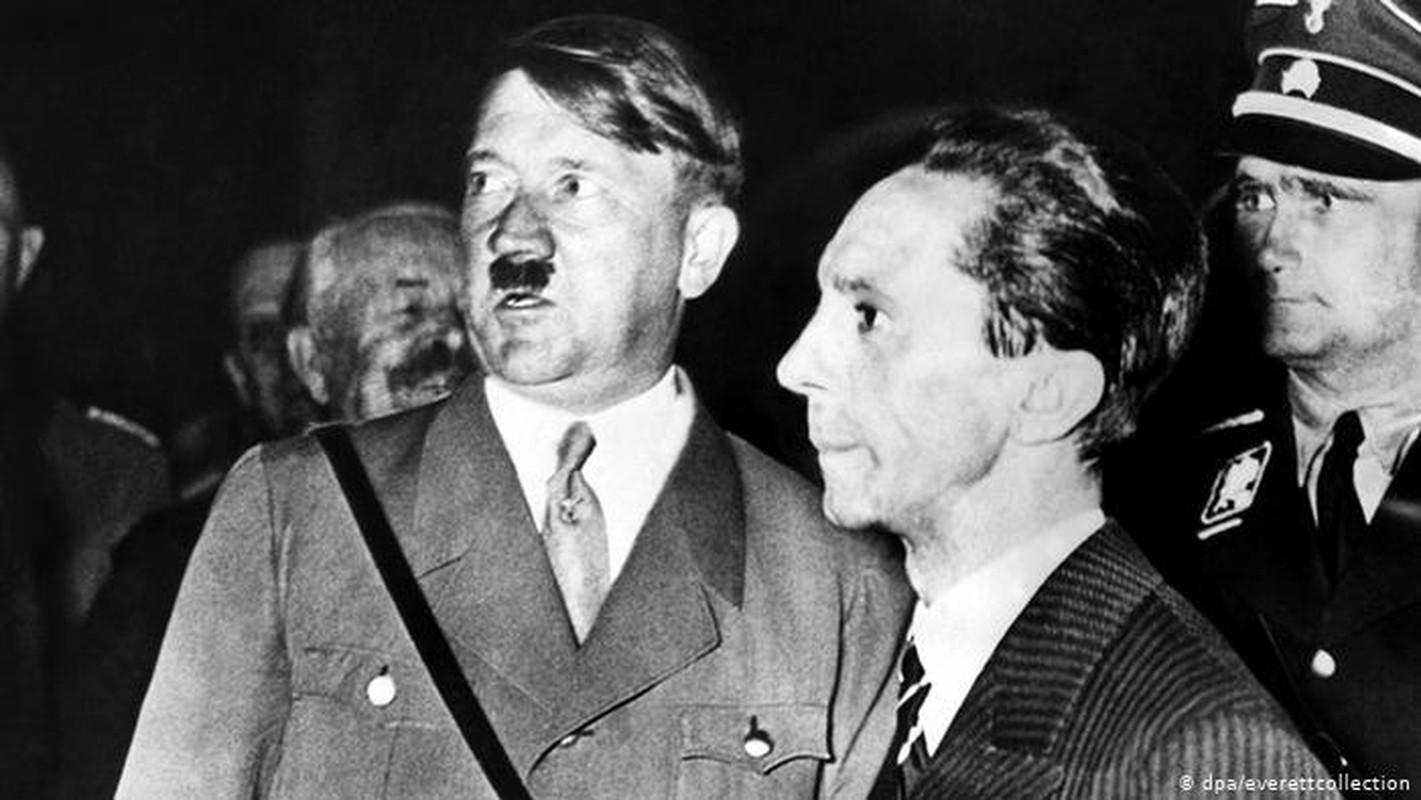 Trum phat xit Hitler cuong si vo cua cap duoi the nao?-Hinh-6