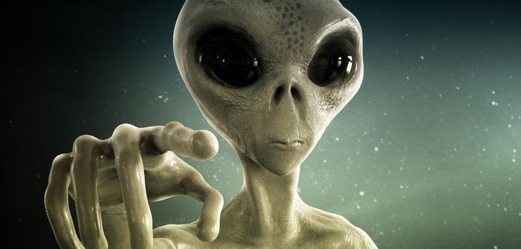 Xon xao UFO xuat hien trong tu, hang loat pham nhan mac benh la?