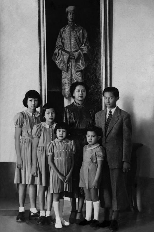 """Ne phuc man """"danh ghen"""" day kieu hanh cua Nam Phuong Hoang hau-Hinh-6"""
