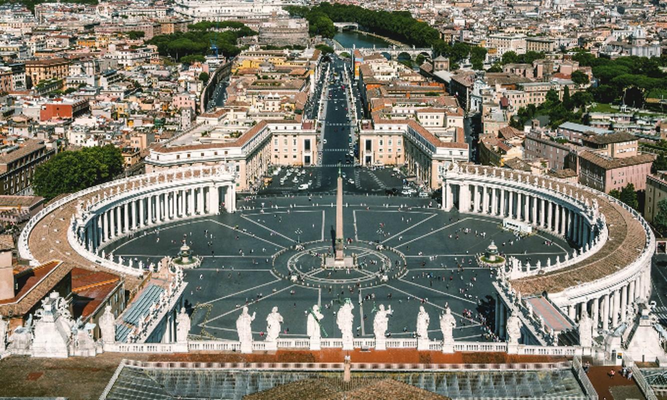 Bat mi doi ve binh bao ve an nguy cua Giao hoang Vatican