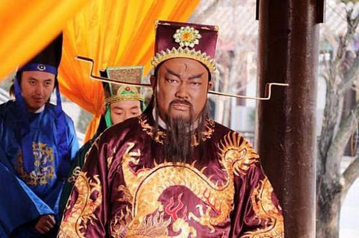 Quat mo Bao Cong, lo bi mat gay chan dong ca the gioi-Hinh-4
