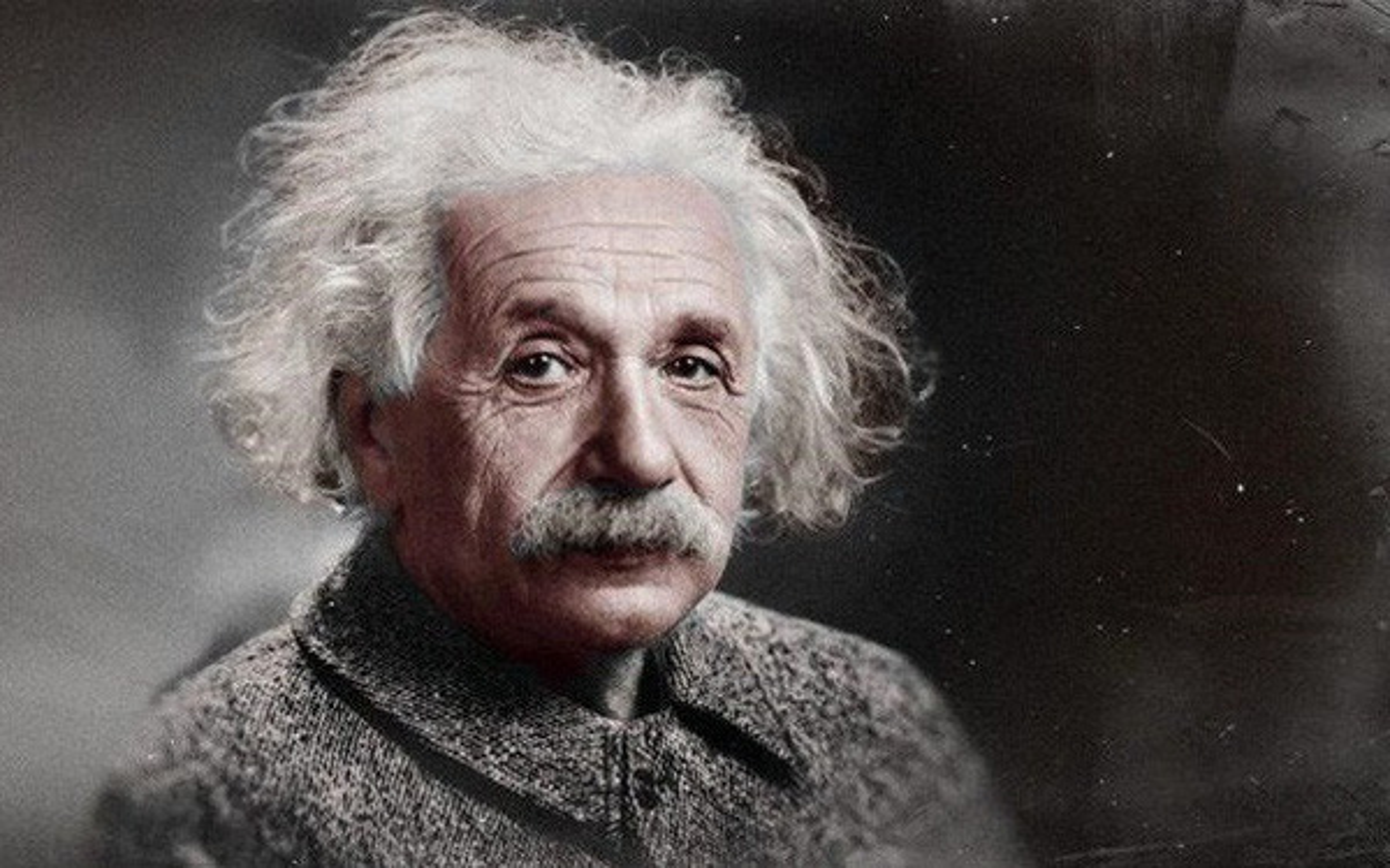 Bat ngo tinh ban dac biet giua Albert Einstein va vua he Sac lo-Hinh-6