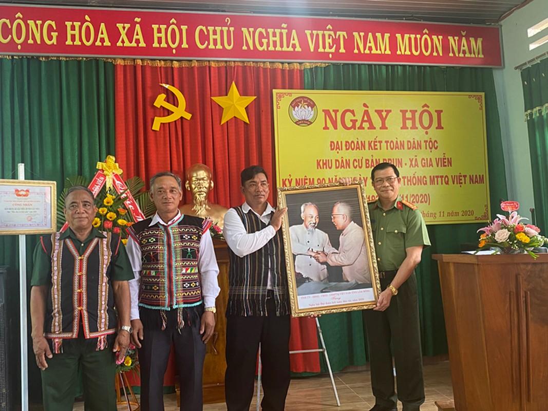 Chan dung tan Giam doc Cong an tinh Dak Lak-Hinh-6