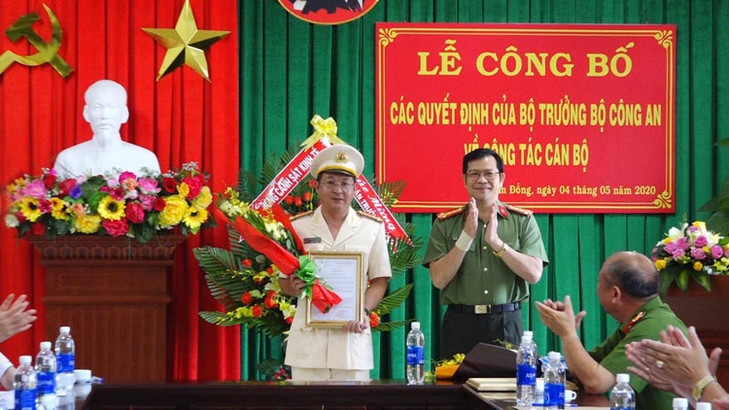Chan dung tan Giam doc Cong an tinh Dak Lak-Hinh-7