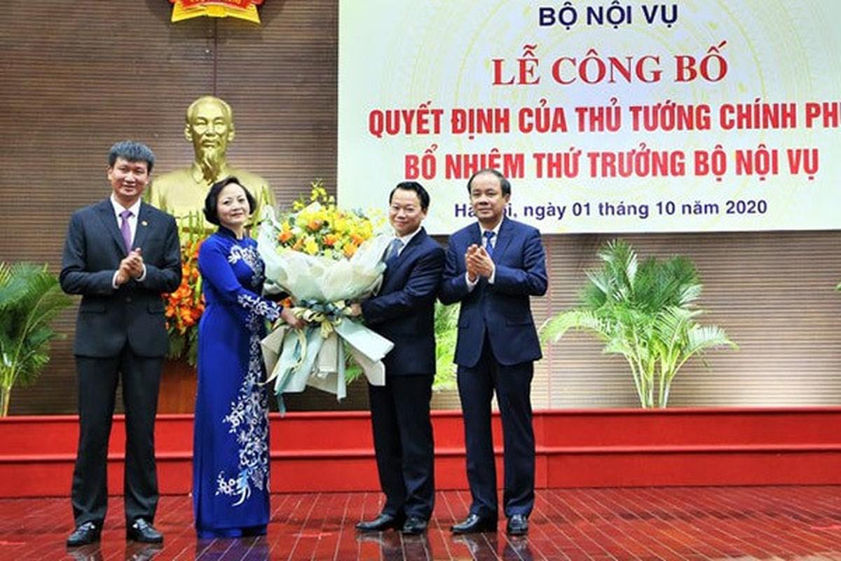 Nu Thu truong Bo Noi vu duoc gioi thieu ung cu Dai bieu Quoc hoi-Hinh-4