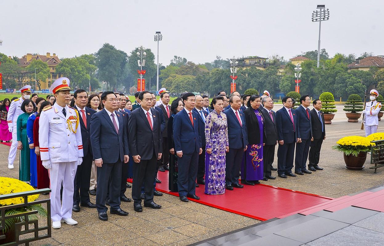 Lanh dao Dang, Nha nuoc va dai bieu Quoc hoi vao Lang vieng Chu tich Ho Chi Minh-Hinh-2