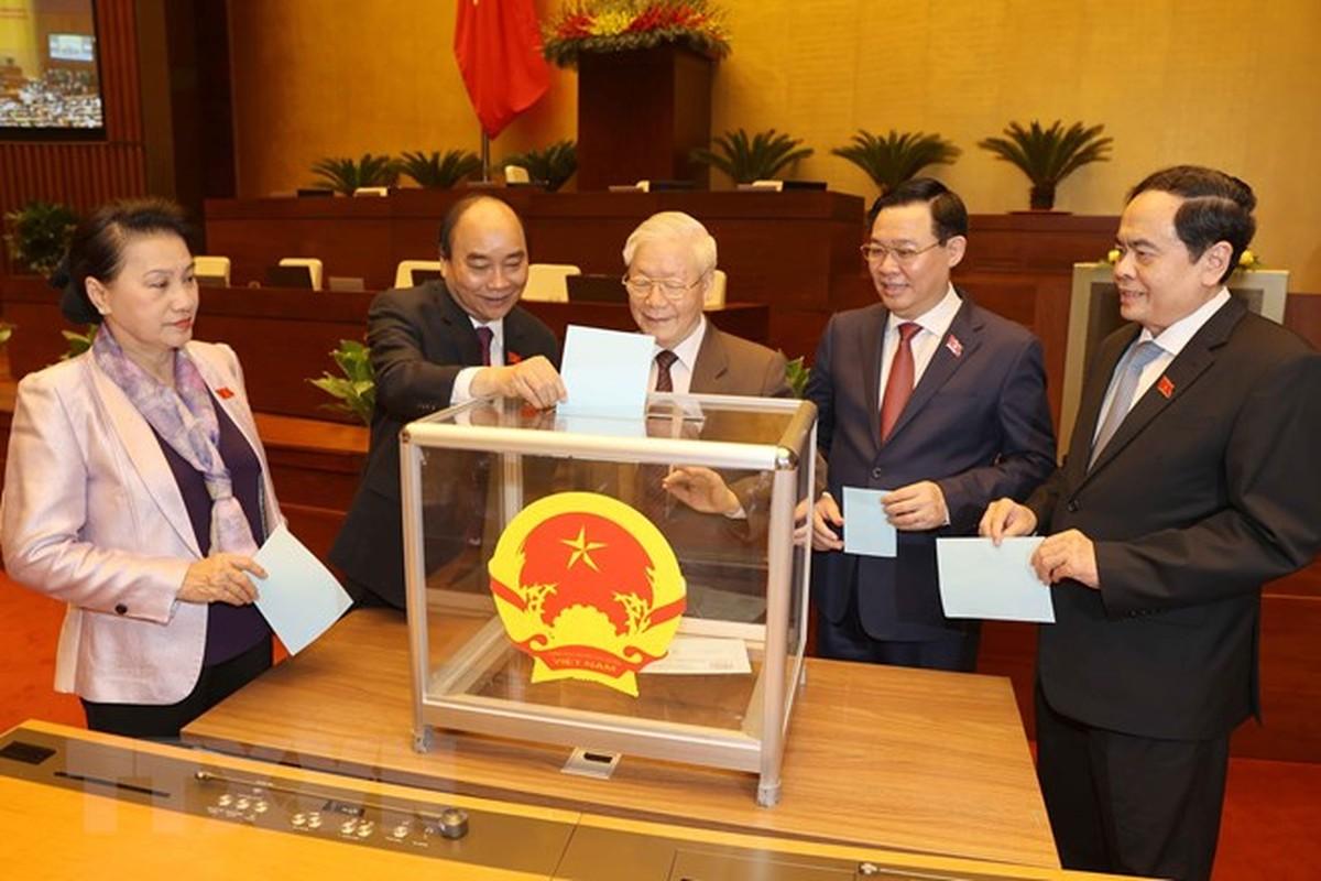 Ong Nguyen Xuan Phuc duoc gioi thieu bau Chu tich nuoc