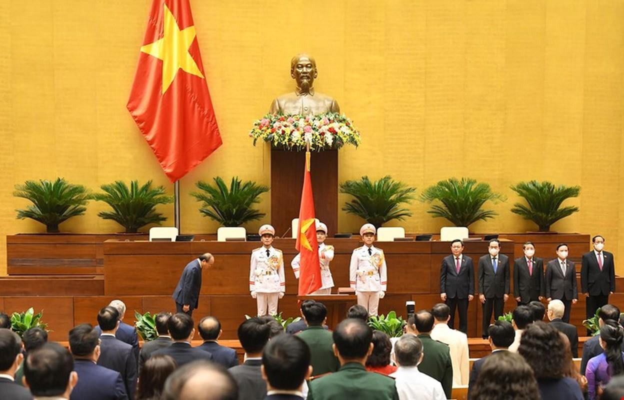 Chan dung Chu tich nuoc Nguyen Xuan Phuc-Hinh-3