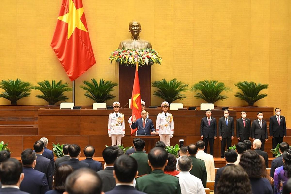 Chan dung Chu tich nuoc Nguyen Xuan Phuc-Hinh-5