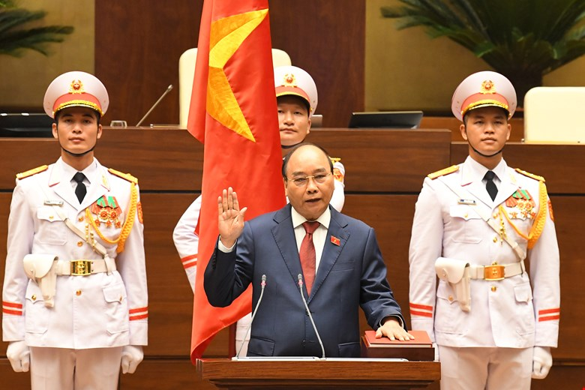 Chan dung Chu tich nuoc Nguyen Xuan Phuc-Hinh-6