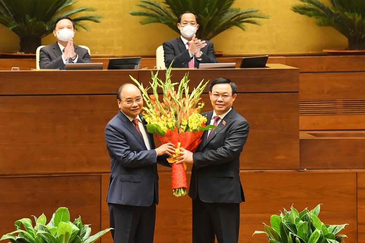 Chan dung Chu tich nuoc Nguyen Xuan Phuc-Hinh-8