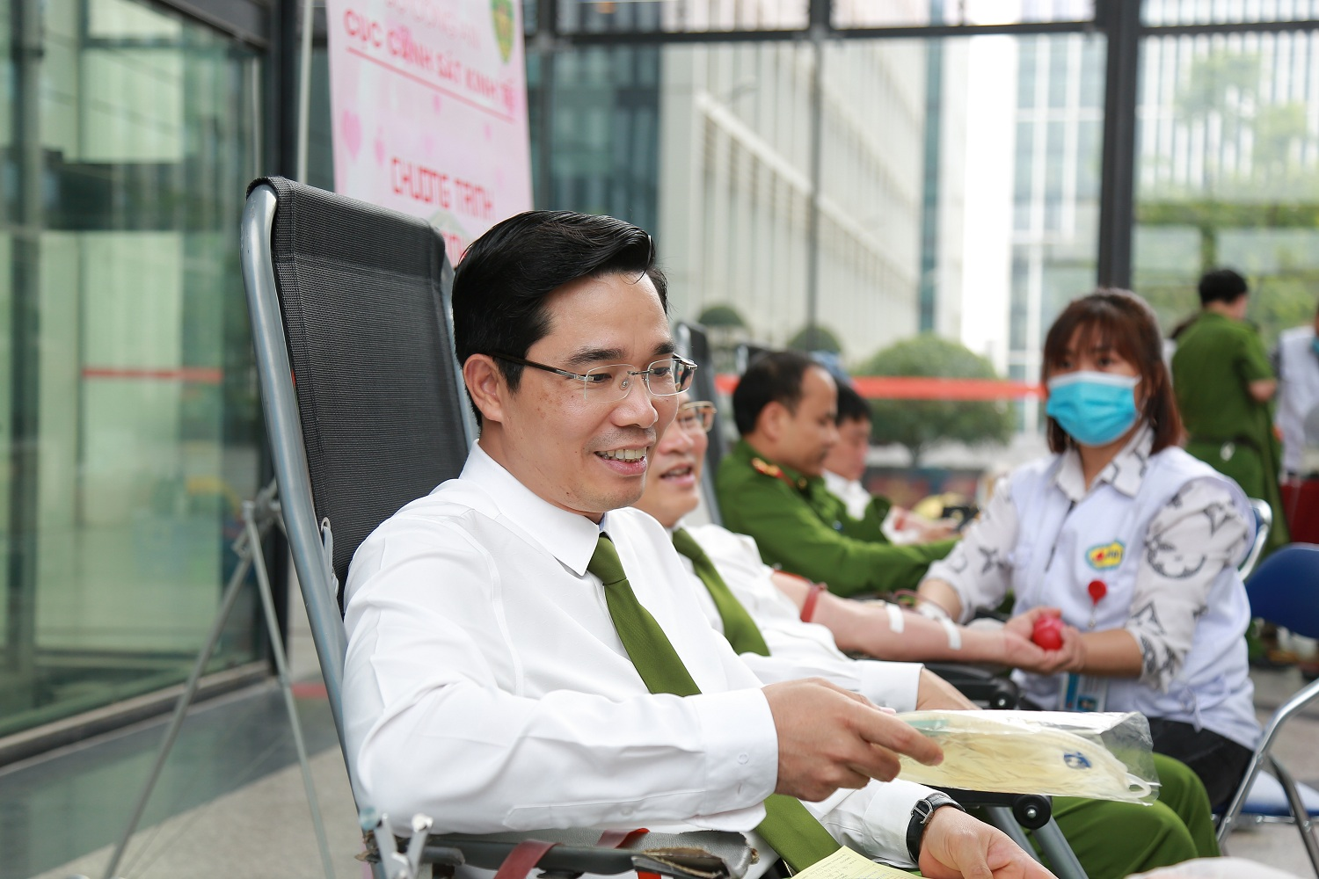 Chan dung tan Giam doc Cong an tinh Thai Binh-Hinh-5