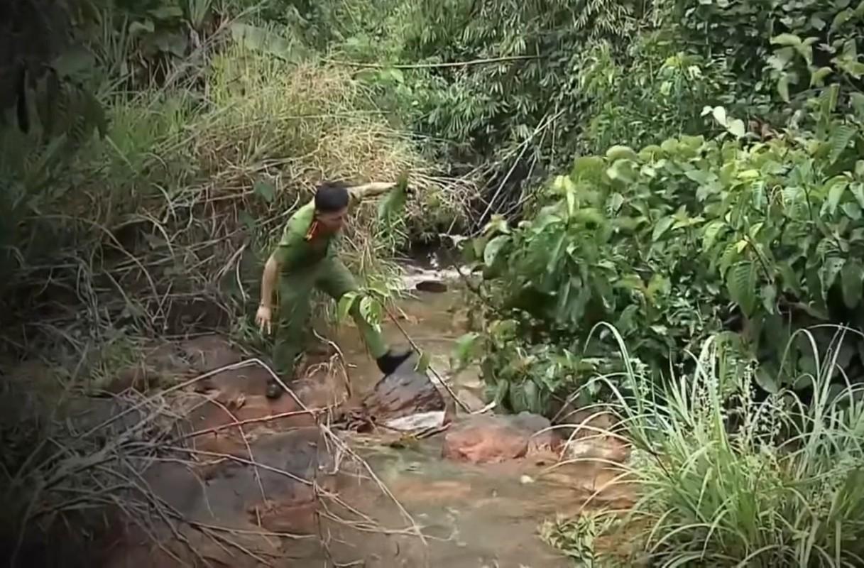 Hanh trinh pha an: Tu thi ben dong suoi to cao ke sat nhan mau lanh-Hinh-9