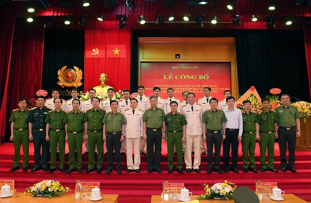 Chan dung tan Trung doan truong Trung doan Khong quan CAND-Hinh-7