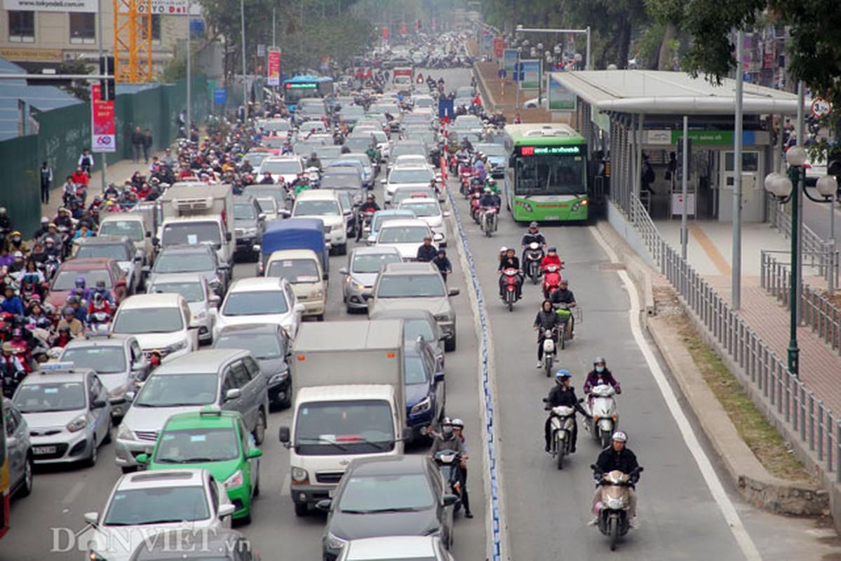 Ke dai phan cach cung, xe may van vo tu lan lan BRT-Hinh-3