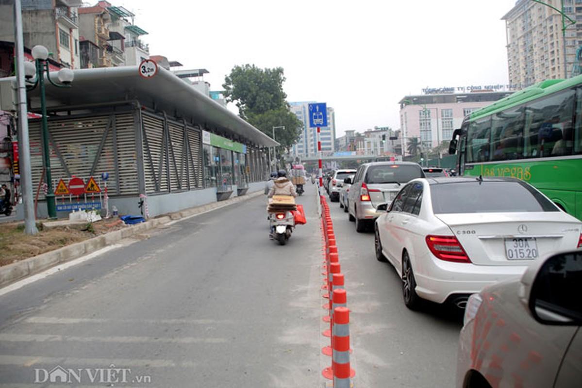 Ke dai phan cach cung, xe may van vo tu lan lan BRT-Hinh-6