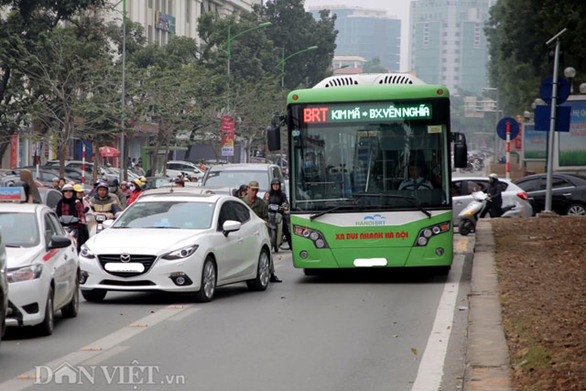 Ke dai phan cach cung, xe may van vo tu lan lan BRT-Hinh-7