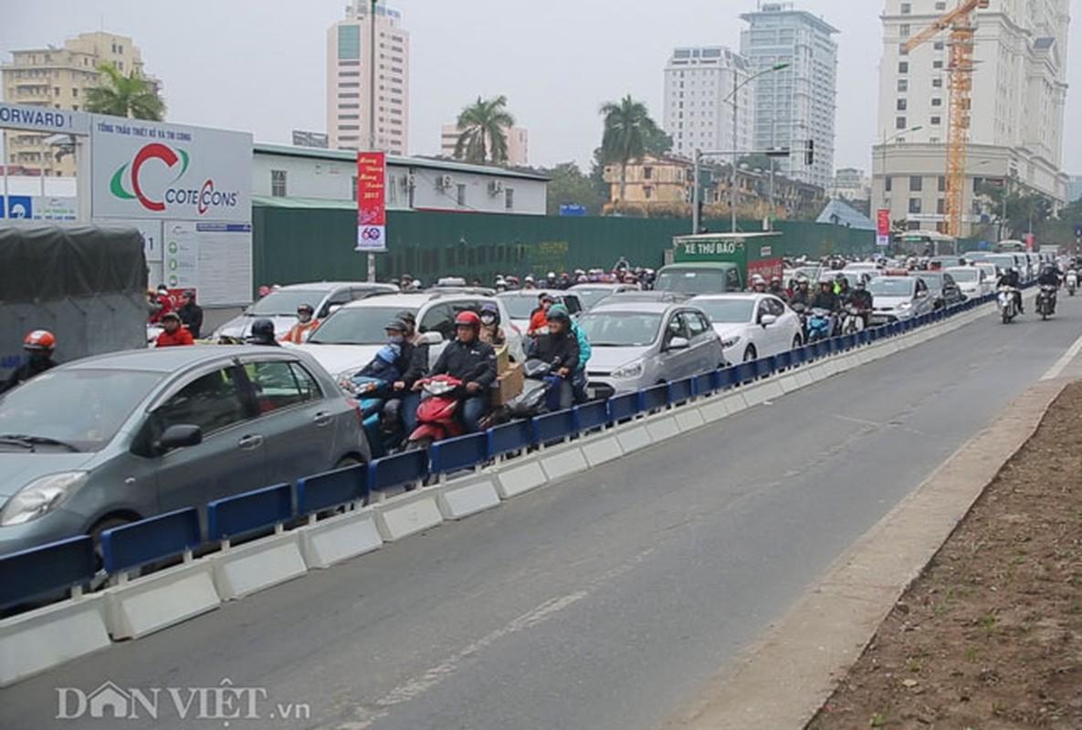 Ke dai phan cach cung, xe may van vo tu lan lan BRT-Hinh-8