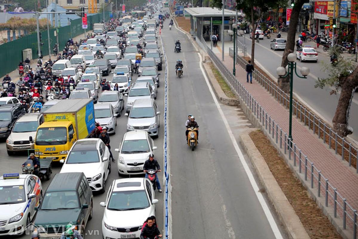 Ke dai phan cach cung, xe may van vo tu lan lan BRT-Hinh-9