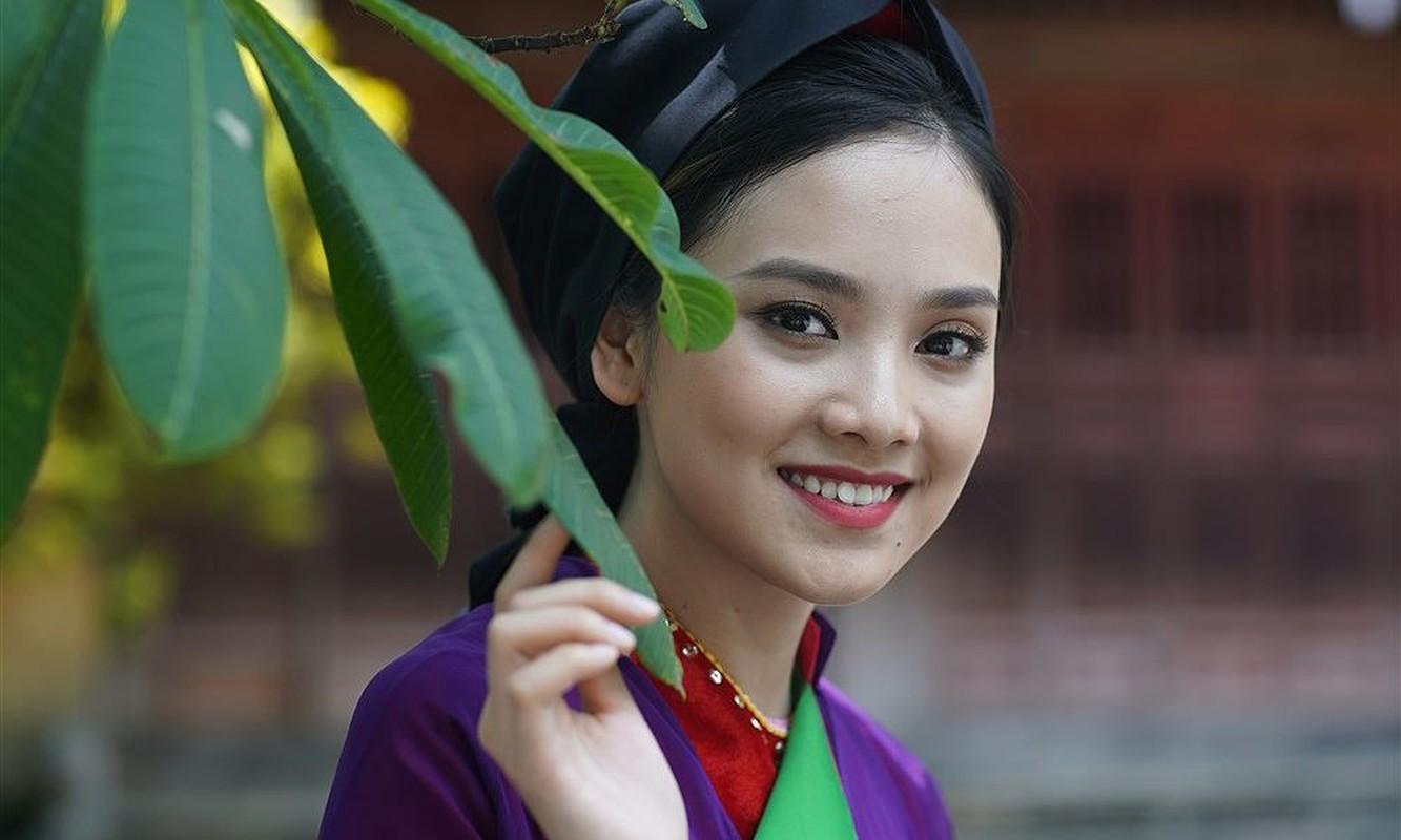 Hoang Cam vua khoc vua sang tac Ben kia song Duong?-Hinh-9