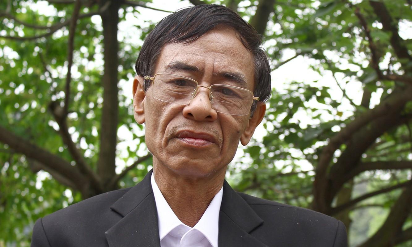 Bai tho Chiec la dau tien duoc Hoang Nhuan Cam viet trong 10 nam?