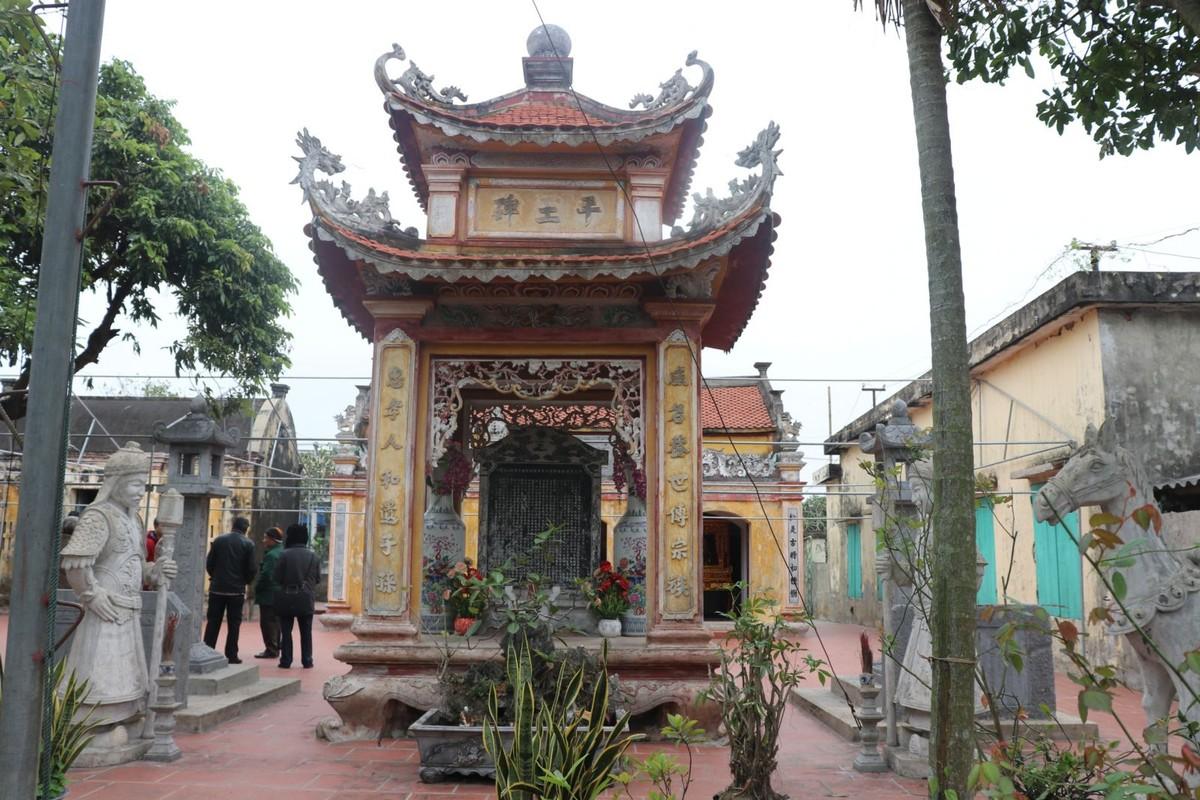 Cuon sach ve cuoc doi nhieu tranh cai cua tuong giet giac Duong Tam Kha-Hinh-14