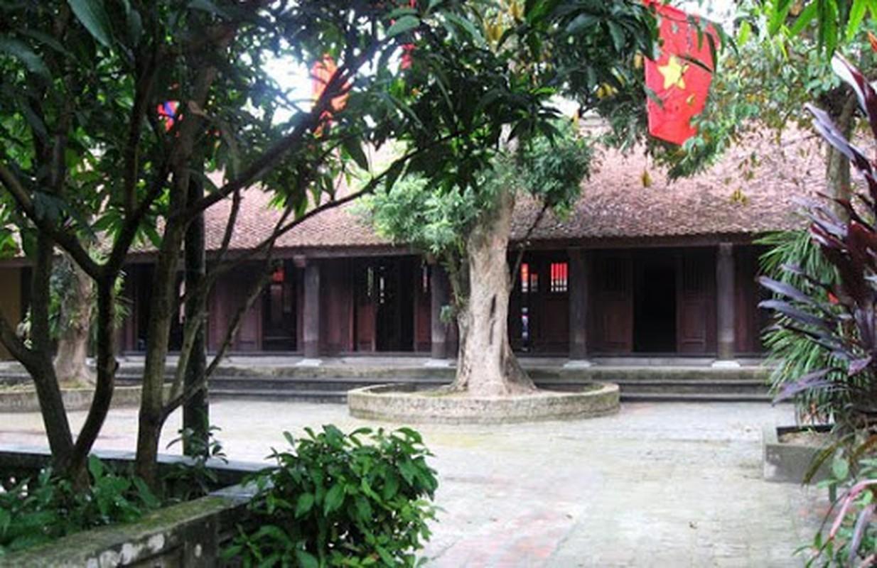 Nhung diem doc dao trong Ban den choi nha cua nha tho Nguyen Khuyen-Hinh-4